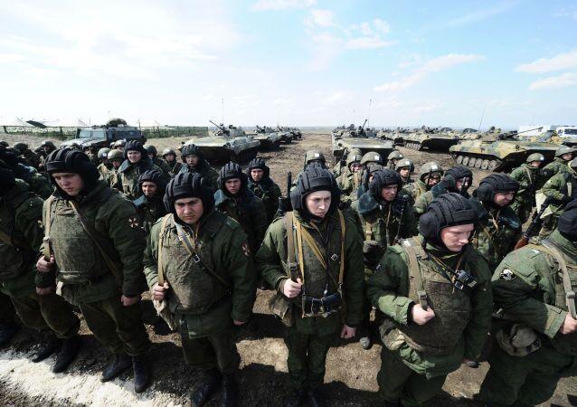Soldados de las tropas internas de Rusia (archivo)