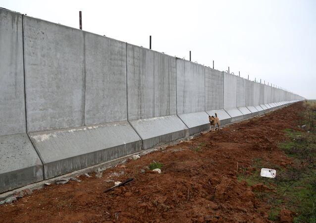 El muro en la frontera entre Turquía y Siria