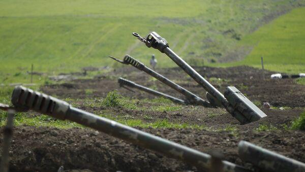 Presidente de Azerbaiyan denuncia ataques armenios en Karabaj - Sputnik Mundo