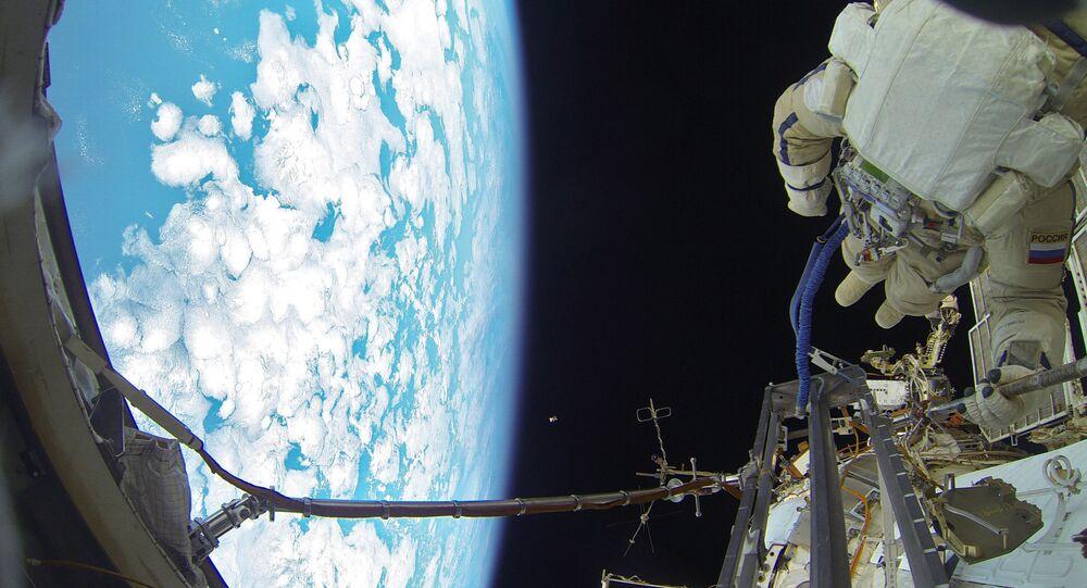 La caminata espacial de los cosmonautas rusos