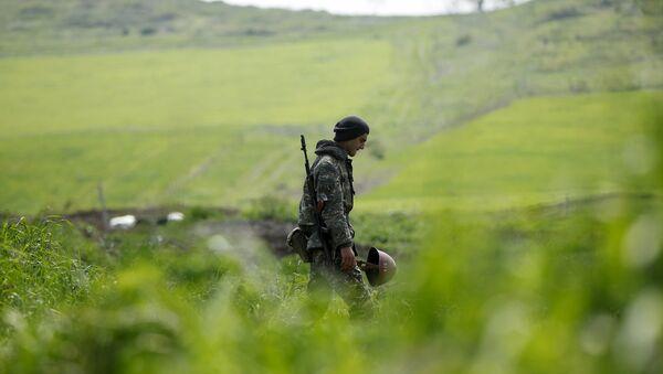 Militar en Nagorno Karabaj - Sputnik Mundo