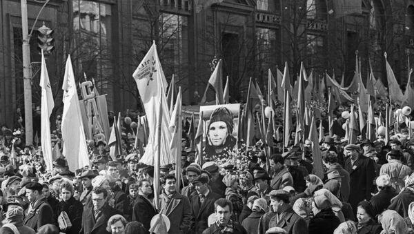 La demostración en Moscú con el motivo de la llegada de Yuri Gagarin a la capital rusa (archivo) - Sputnik Mundo