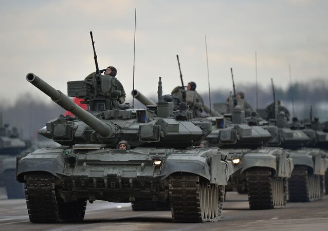 Tanques, aviones y mujeres militares: Los ensayos para el Día de la Victoria
