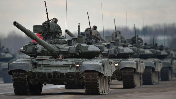 Tanques, aviones y mujeres militares: Los ensayos para el Día de la Victoria - Sputnik Mundo