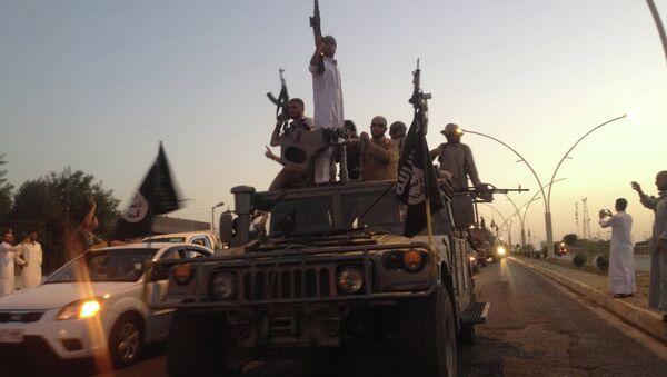 Radicales de Daesh en Mosul (Archivo) - Sputnik Mundo