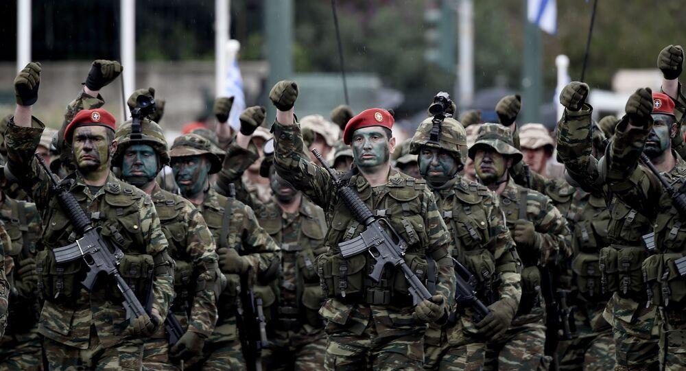 Soldados del Ejército de Grecia