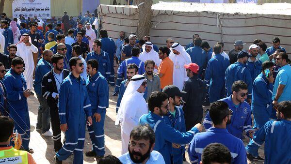 Huelga de trabajadores del petróleo en Kuwait - Sputnik Mundo