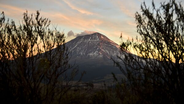 El volcán Popocatépetl (archivo) - Sputnik Mundo