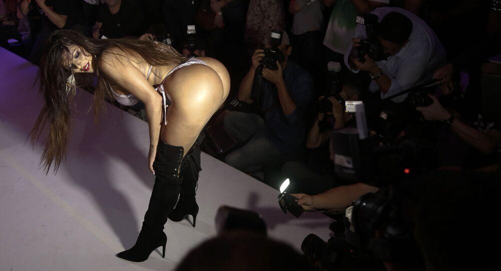 Suzy Cortez, electa Miss BumBum Brasil en 2015.