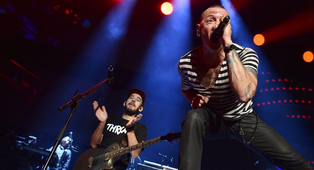 Mike Shinoda y Chester Bennington, vocalistas de la banda Linkin Park