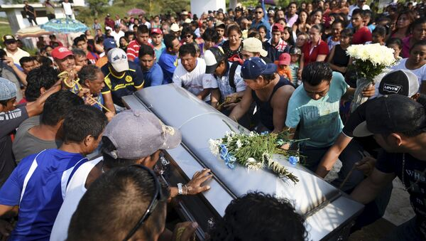Sube a 27 balance de muertos por explosión en planta petroquímica en México - Sputnik Mundo