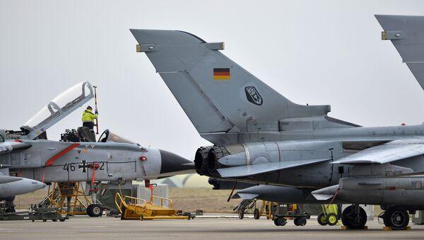 Cazas Tornado en la base aérea de Incirlik - Sputnik Mundo