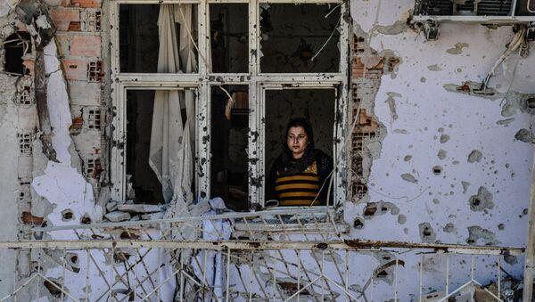 Una residente de la ciudad turca de Cizre - Sputnik Mundo