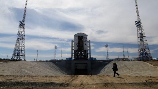 Cohete portador Soyuz-2.1a en el cosmódromo ruso de Vostochni - Sputnik Mundo