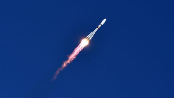 El primer lanzamiento desde el cosmódromo Vostochni - Sputnik Mundo
