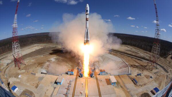 Primer lanzamiento desde el comsódromo Vostochni - Sputnik Mundo