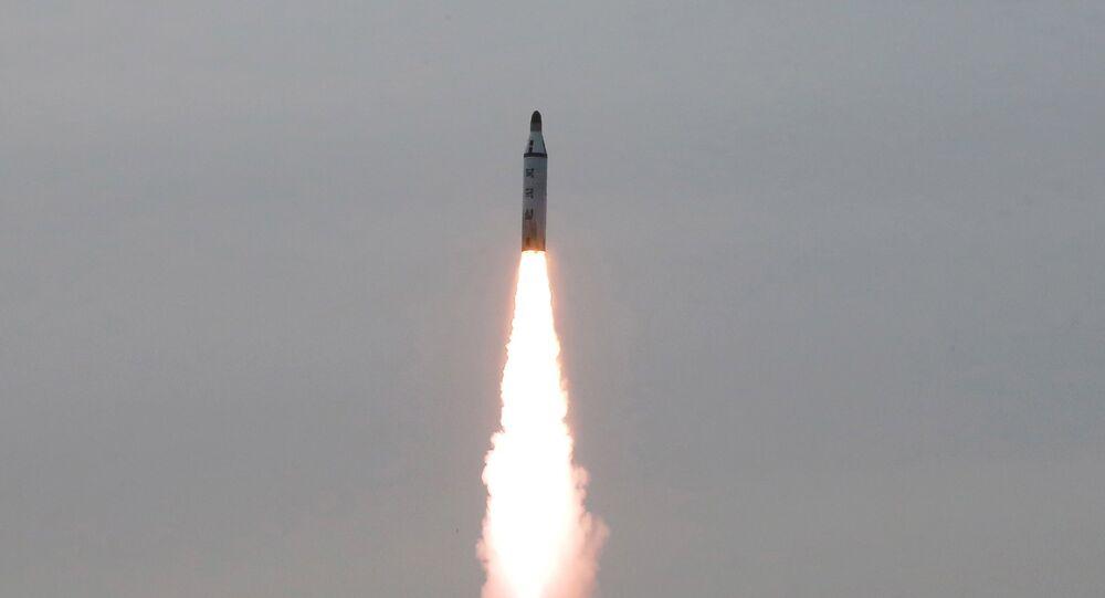 Lanzamiento de un misil balístico de Corea del Norte (archivo)