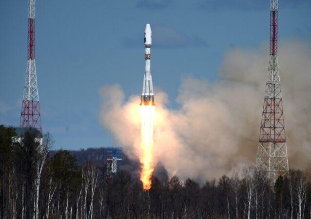 Un lanzamiento del cohete Soyuz-2.1a desde el cosmódromo ruso Vostochni