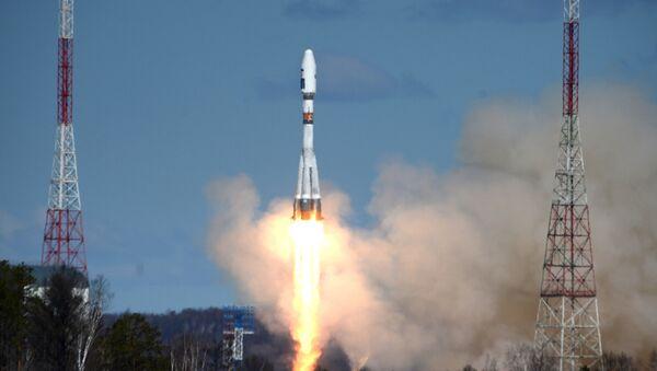 Primer lanzamiento del cohete Soyuz-2.1a desde el cosmódromo ruso Vostochni - Sputnik Mundo