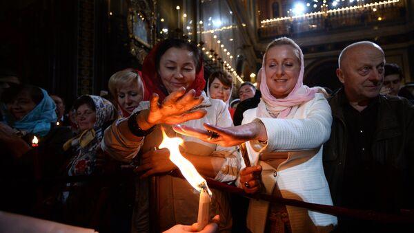 Servicio ortodoxo por la Pascua en Moscú - Sputnik Mundo