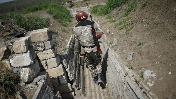 Militar en Nagorno Karabaj (archivo) - Sputnik Mundo