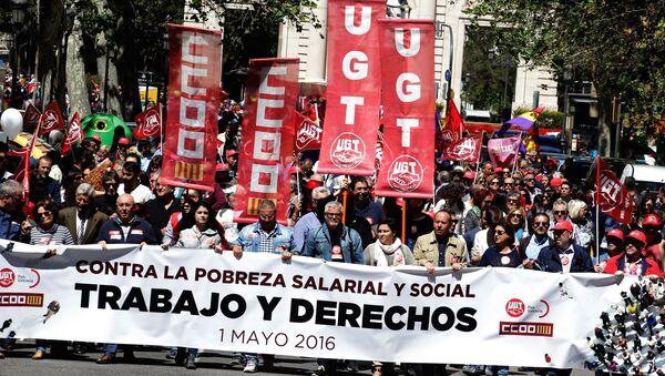 Manifestación en Valencia, España, el Día del Trabajo - Sputnik Mundo