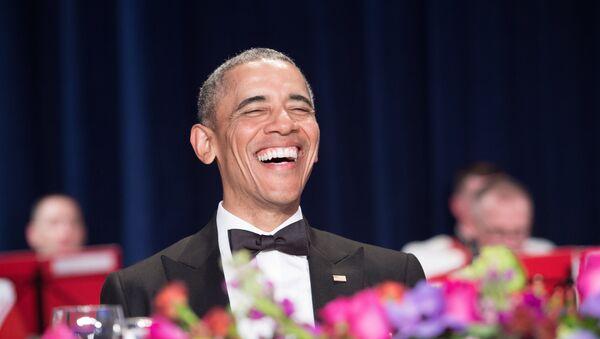 US President Barack Obama attends the 102nd White House Correspondents' Association Dinner in Washington, DC, on April 30, 2016. - Sputnik Mundo