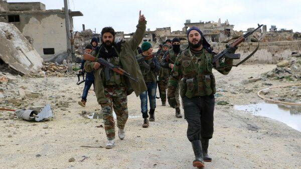 Los combatientes de la oposición armada siria en Alepo - Sputnik Mundo