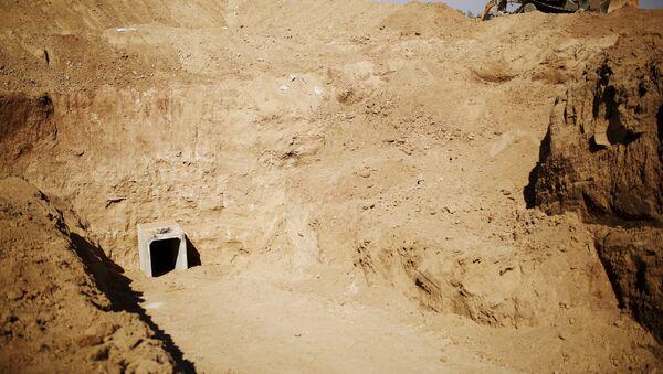 Uno de los túneles encontrados por el Ejército israelí en Gaza (archivo) - Sputnik Mundo