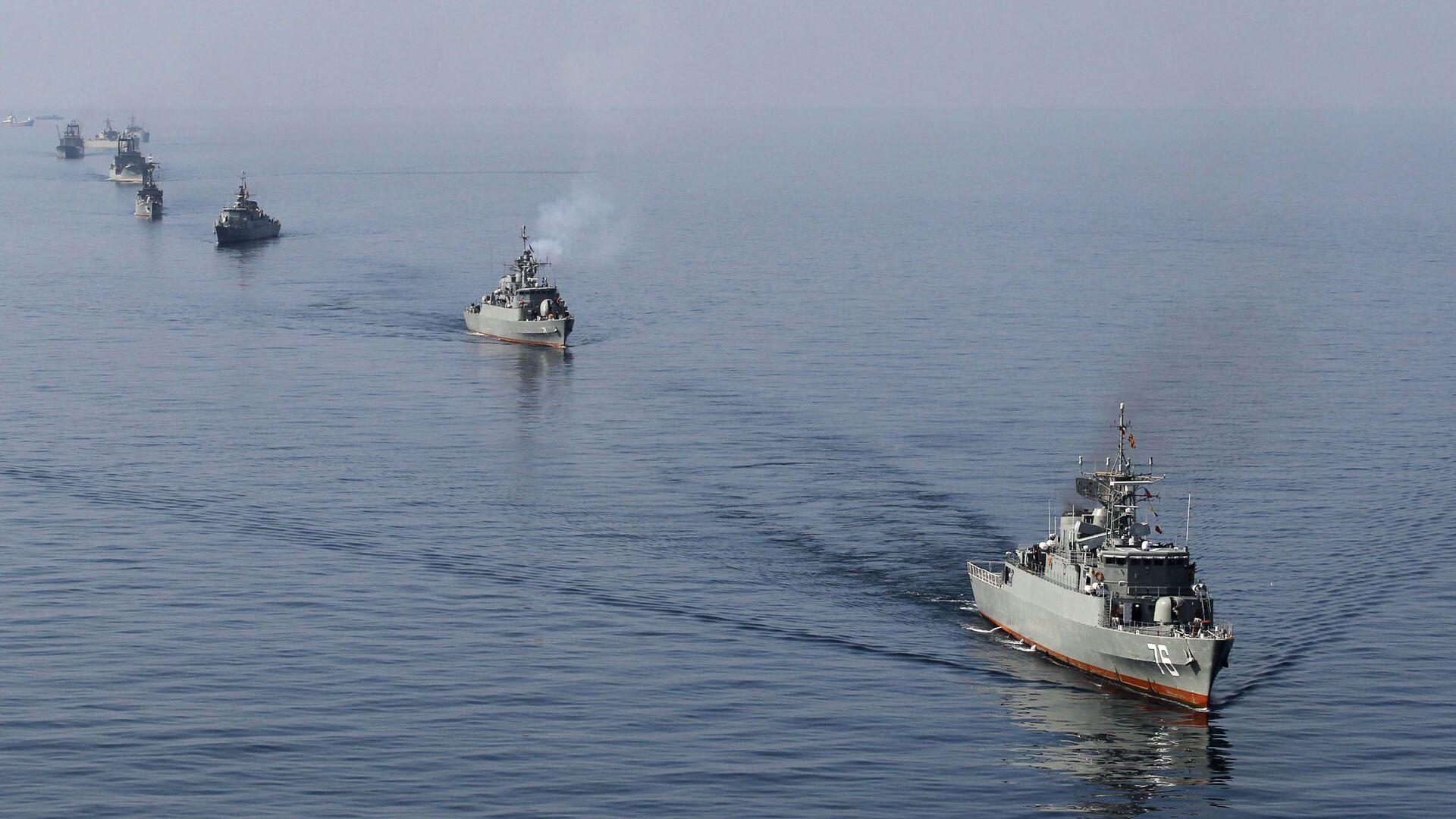 Ejercicios de buques de guerra iraníes en el estrecho de Ormuz (archivo) - Sputnik Mundo, 1920, 26.07.2021