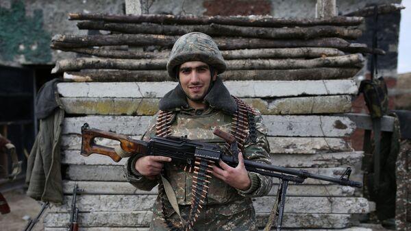 Militar armenio en Nagorno Karabaj - Sputnik Mundo