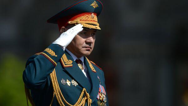 El ministro de Defensa de Rusia, Serguéi Shoigú, durante del Desfil de la Victoria - Sputnik Mundo