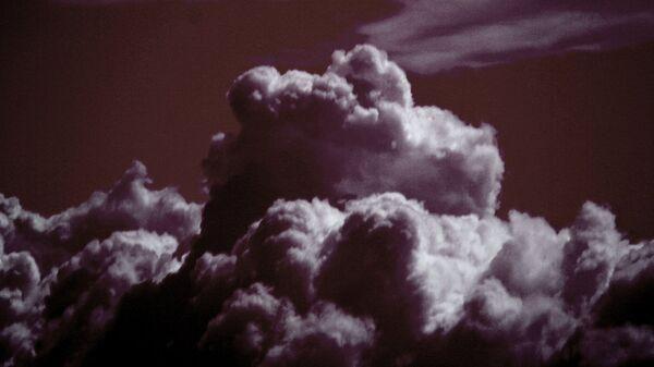 Explosión de una bomba de hidrógeno (imagen referencial) - Sputnik Mundo