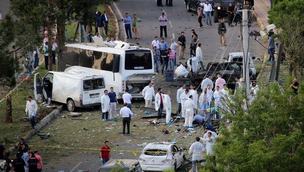 Explosión en la ciudad turca de Diyarbakir - Sputnik Mundo