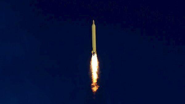 Misil balístico de Irán (archivo) - Sputnik Mundo