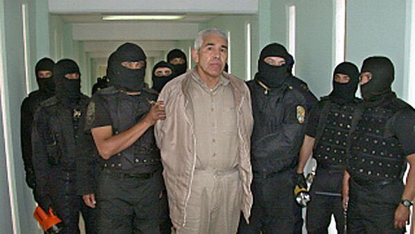 Miembros de la Policia Federal Preventiva (PFP) custodian al narcotraficante Rafael Caro Quintero - Sputnik Mundo