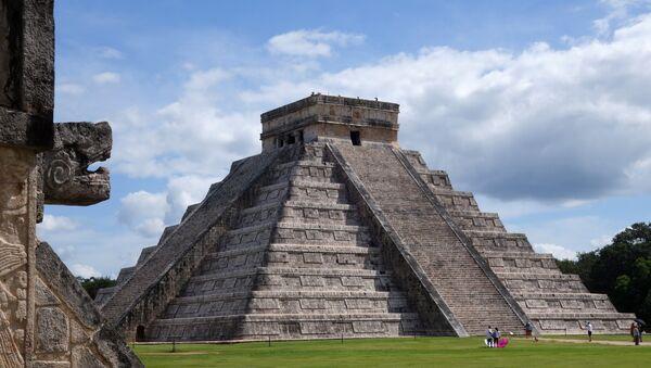 El Castillo, Chichén Itzá - Sputnik Mundo