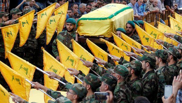 Funeral de Mustafa Amine Badreddine, uno de los principales líderes militares del movimiento chií libanés Hizbulá - Sputnik Mundo