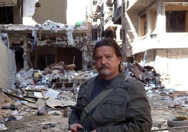 Miguel Fernández, en el campamento de refugiados palestinos