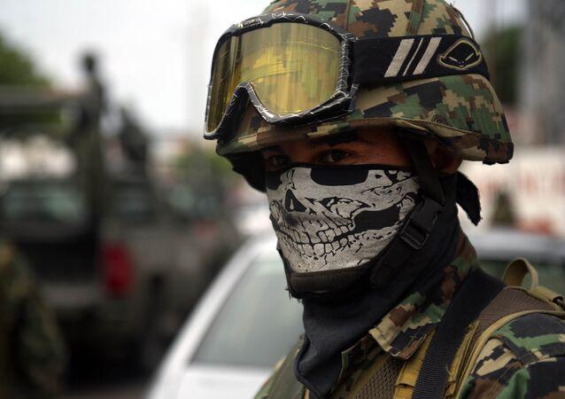 Un soldado mexicano
