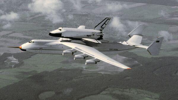 El Antonov An-225 Mriya y la nave espacial Burán - Sputnik Mundo