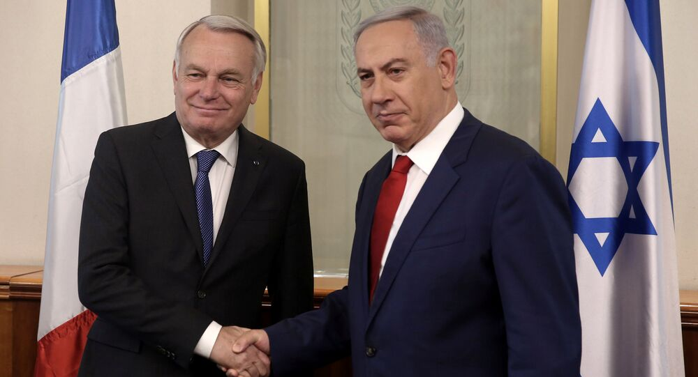Benjamín Netanyahu, primer ministro de Israel, y Jean-Marc Ayrault, ministro de Exteriores de Francia