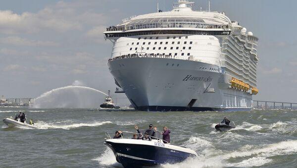 El crucero más grande del mundo, el Harmony of the Seas, - Sputnik Mundo