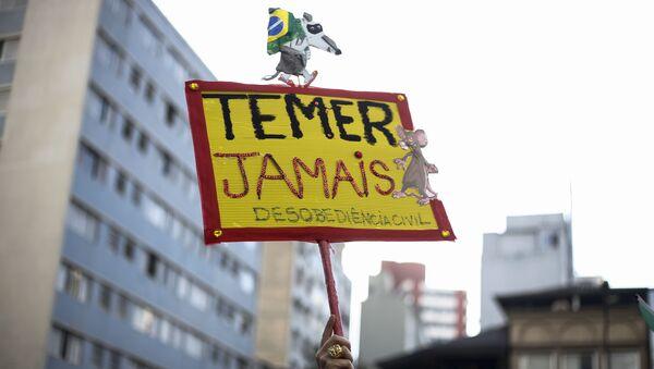 Cartel 'Temer nunca' durante la protesta en Sao Paolo, Brasil - Sputnik Mundo