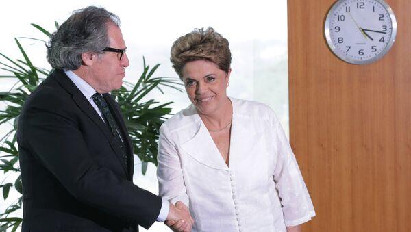 Secretario General de la OEA, Luis Almagro, y Dilma Rousseff, presidenta suspendida de Brasil - Sputnik Mundo