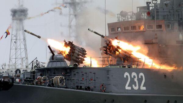Ensayo general en vísperas del Día Nacional de la Armada rusa en Baltisk - Sputnik Mundo