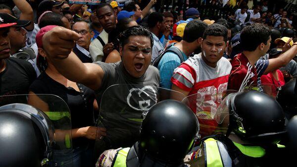Marcha opositora en Caracas - Sputnik Mundo