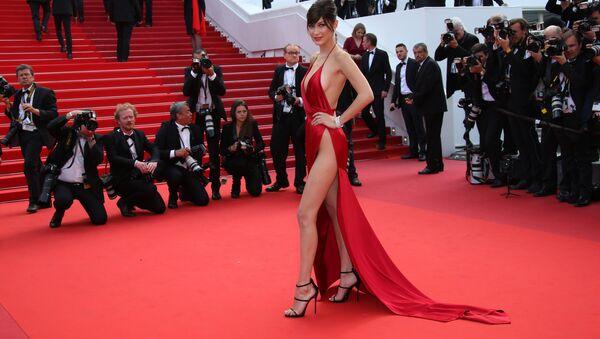 Alfombra roja de Cannes: los vestidos más provocativos del Festival - Sputnik Mundo