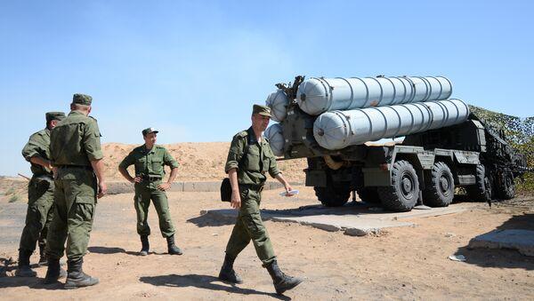 Sistemas de misiles antiaéreos S-300 - Sputnik Mundo
