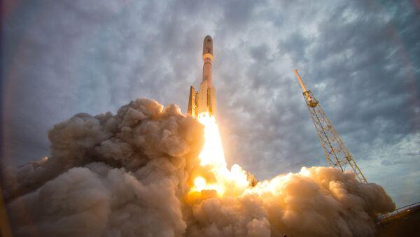 Lanzamiento de un cohete portador (archivo) - Sputnik Mundo